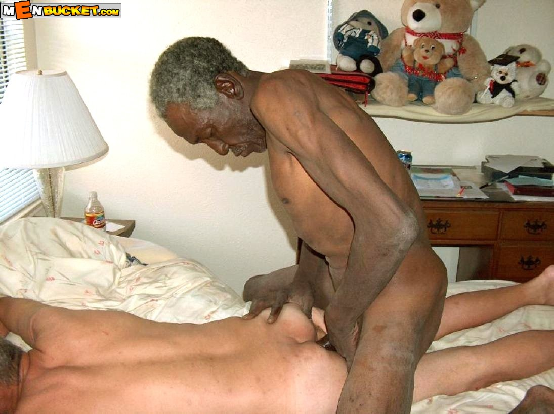 Old gay man nude